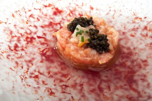 Tartar-de-toro-y-caviar
